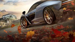 A McLaren and Land Rover vehicles in Forza Horizon 4