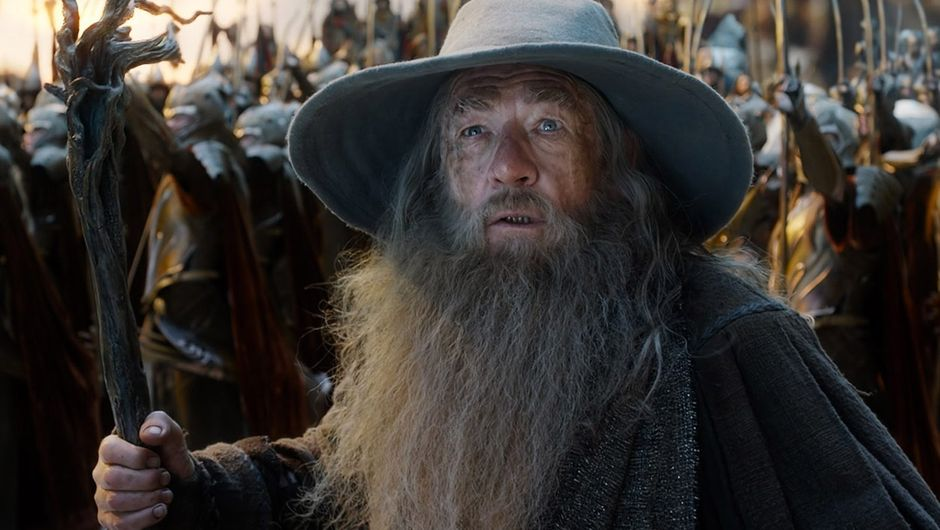 Lord of the Rings shot showing gandalf and an army