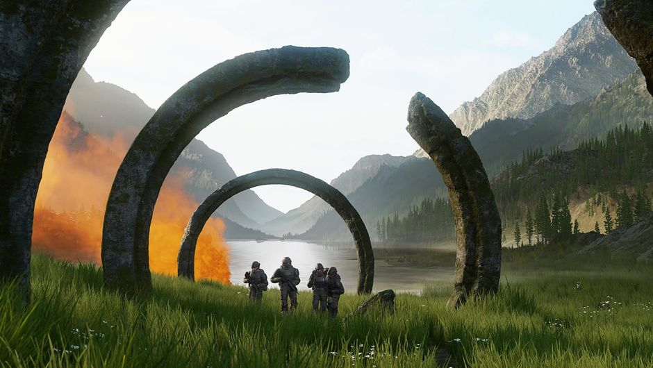 Four soldiers passing through a circular construction in Halo Infinite