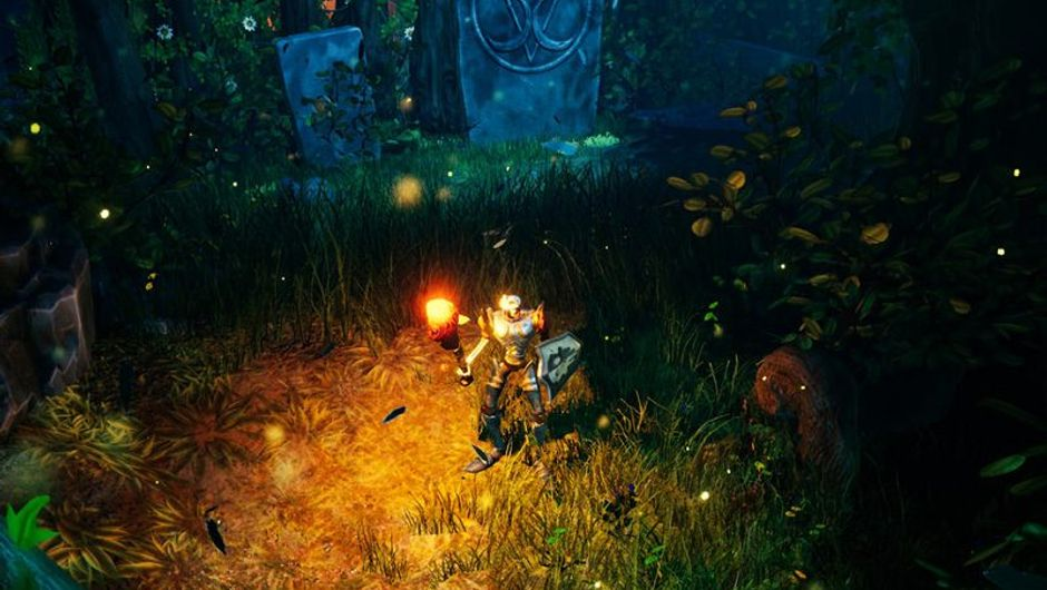 picture showing a protagonist in MediEvil wearing a torch in dark enviroment