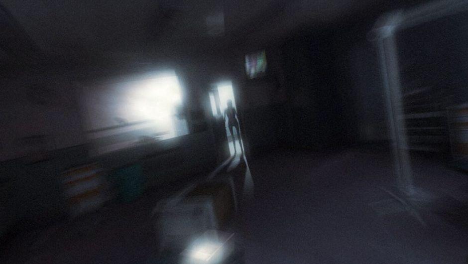 Picture of the creepy kid Alma in F.E.A.R. 2