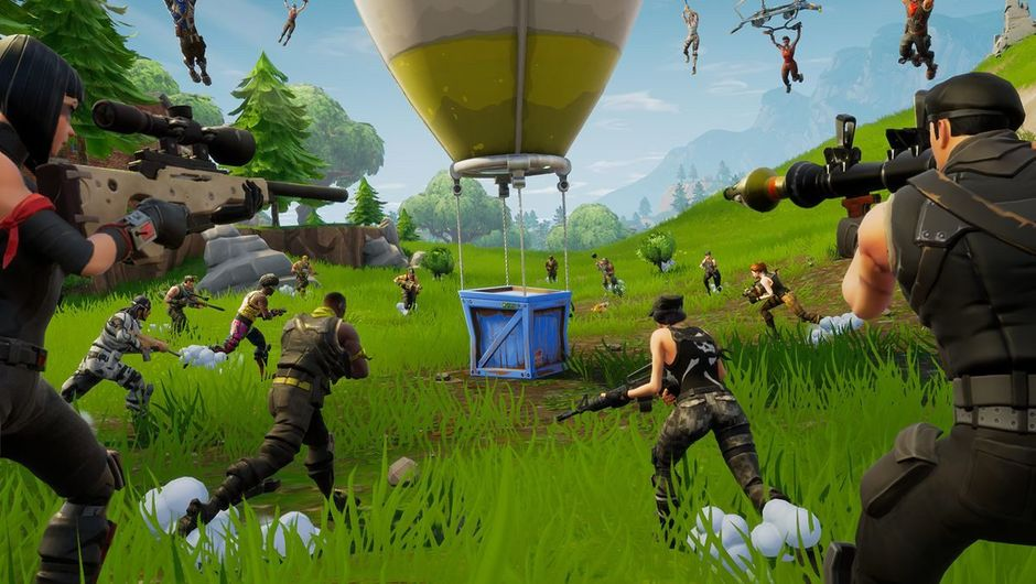 picture showing players in fortnite runing towards drop
