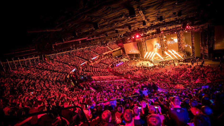 Huge crowd watching ESL Katowice tournament