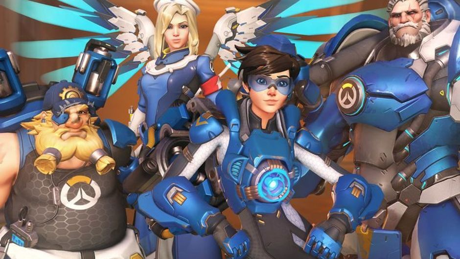 Torbjorn, Mercy, Tracer and Reinhardt standing together