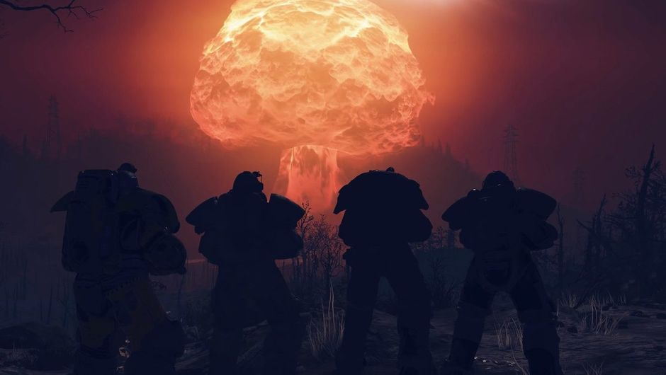 picture showing 4 players watching the nuke explosion in Fallout 76