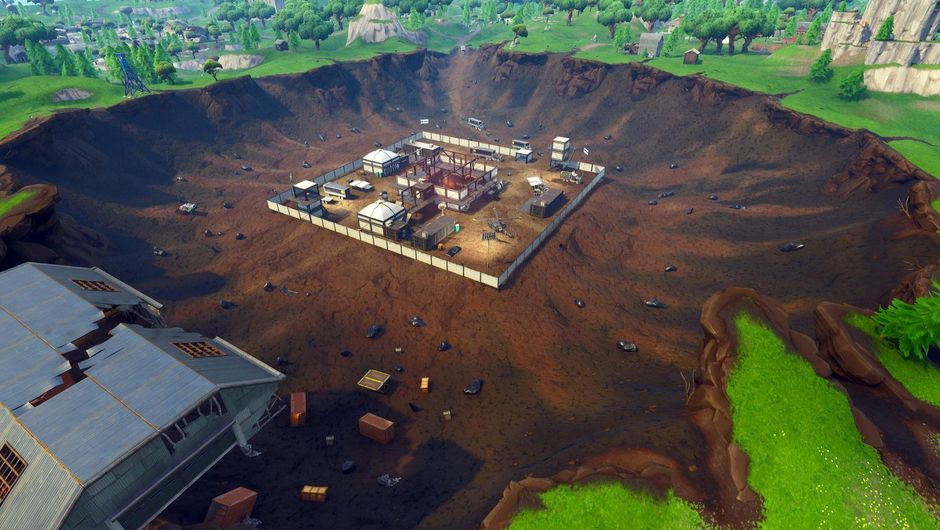 Picture of the giant earth anus in Fortnite that people are calling Dusty Divot