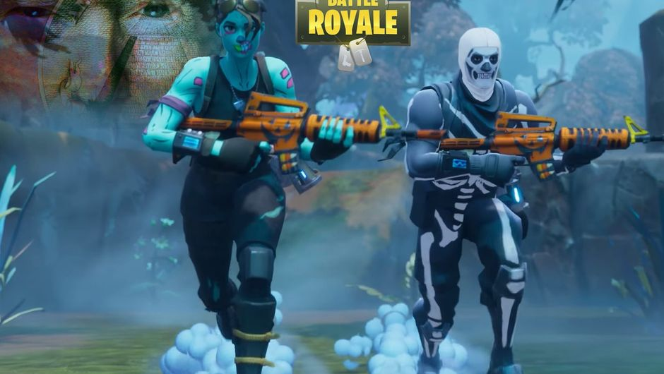 Two people in costumes are running around in Fortnite