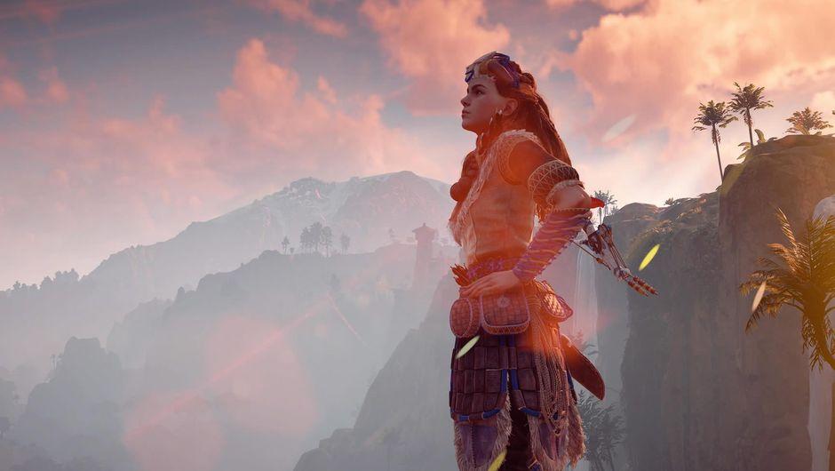 Horizon: Zero Dawn protagonist Aloy, gazing into the distance