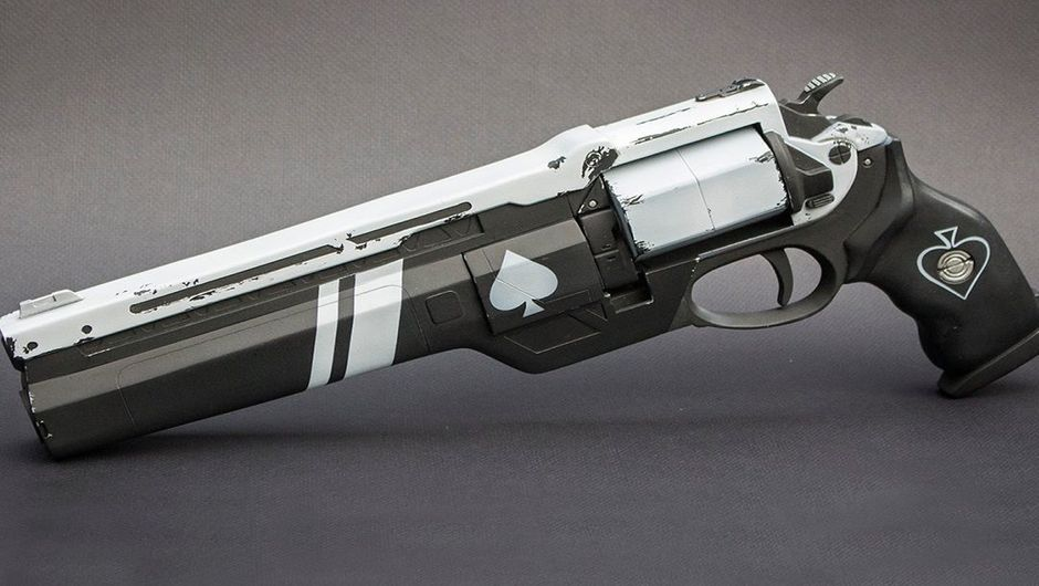Picture of Ace of Spades, the exotic revolver from Destiny 2