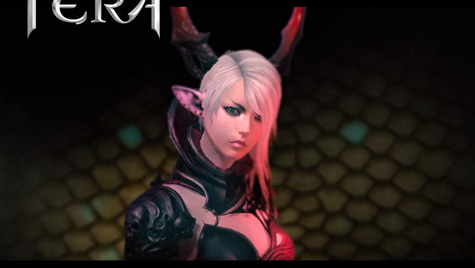 Blone anime waifu with horns is looking at the screen while wearing her skimpy armour.