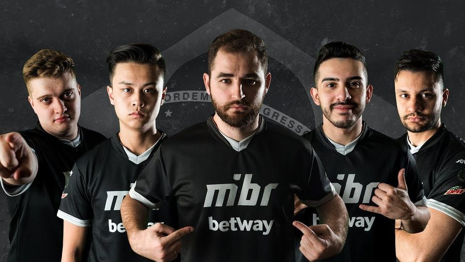 ex SK-Gaming roster wearing MiBR jersey's