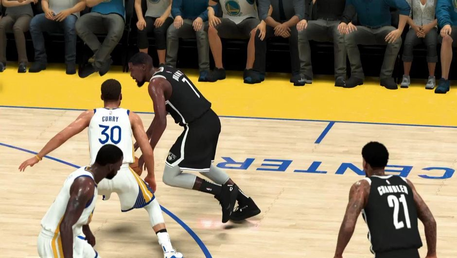 Kevin Durant going in the paint in NBA 2K20.
