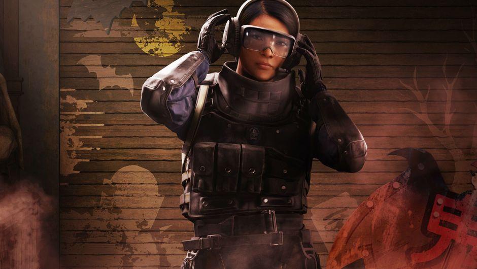 Rainbow Six Siege female operator fixing her helmet