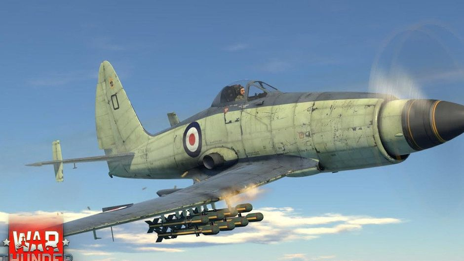 A plane is flying high up in the skies in War Thunder