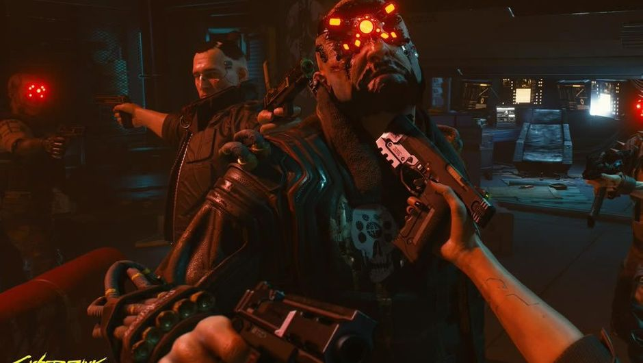 Five people pointing guns at each other in Cyberpunk 2077