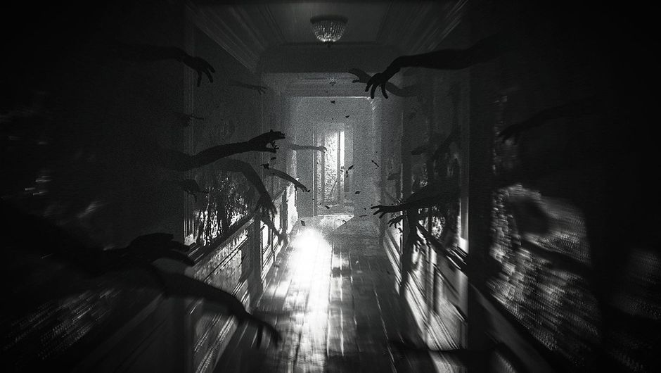 Screenshot of a creepy hallway in Layers of Fear 2