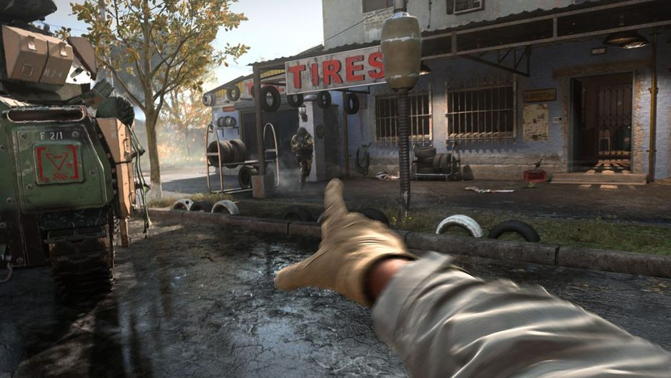 modern warfare screenshot showing a character throwing bomb