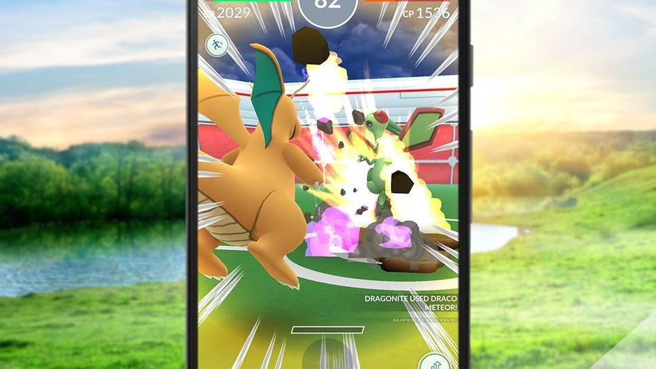 Pokemon GO screenshot of a Dragonite using Draco Meteor