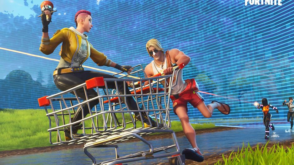 A man pushing a woman in a shopping cart in Fortnite: Battle Royale
