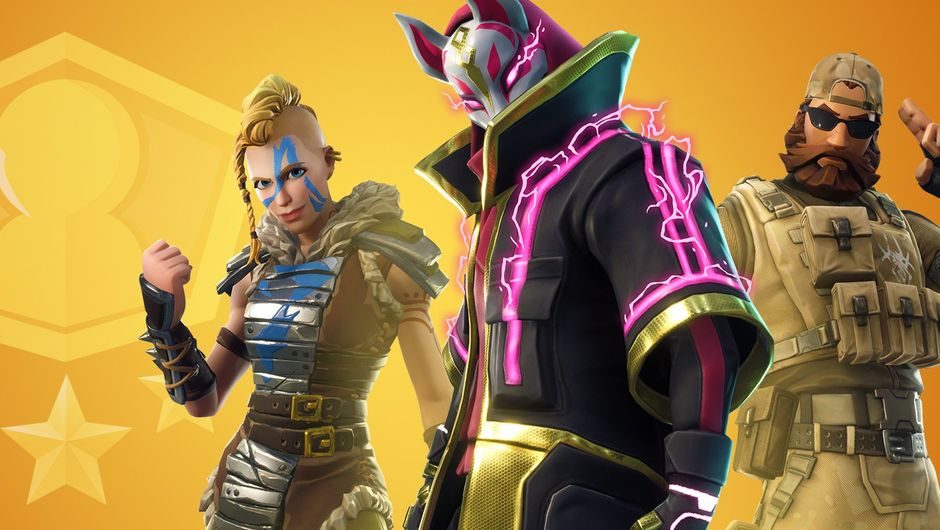 Picture of three random freaks in Fortnite posing for Solo Showdown