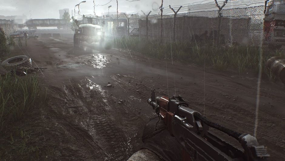 Picture of a player moving around with a gutted AK rifle in Escape from Tarkov